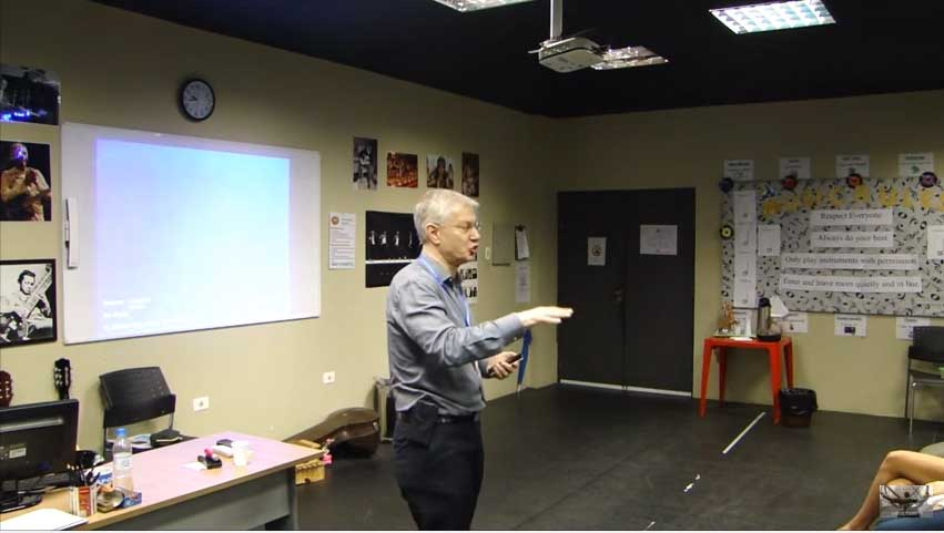 Yaron Brook talks to young entrepreneurs in Brazil